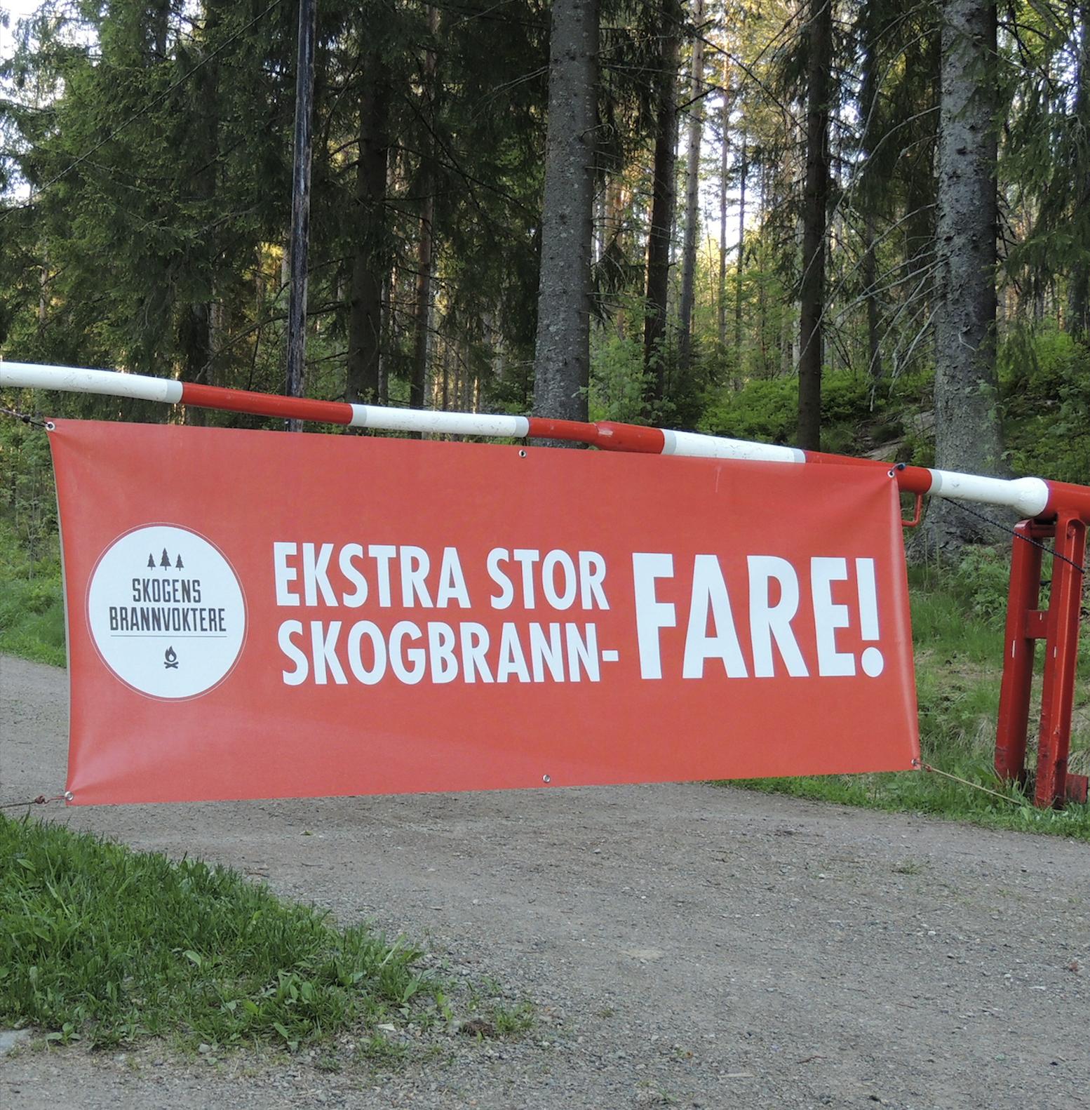 Banner som varsler skogbrannfare